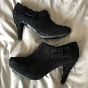 Never worn Me Too black booties with bow